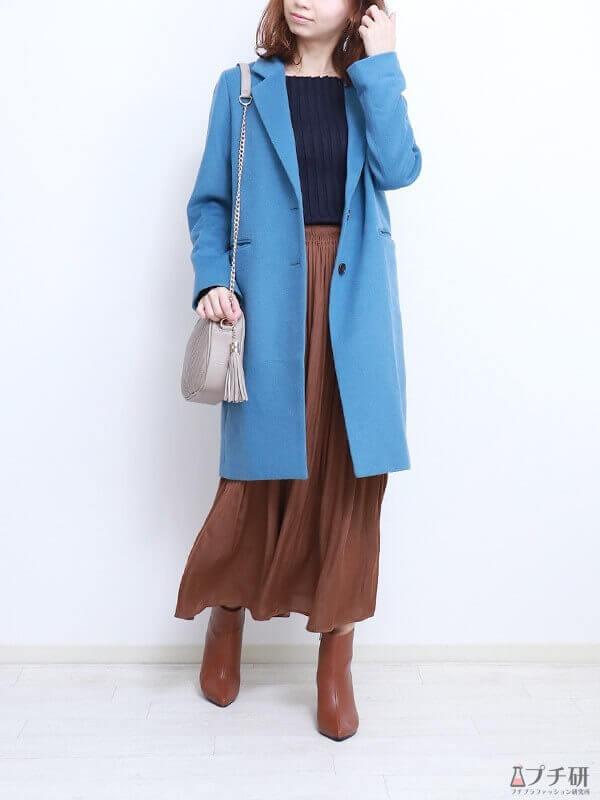 【ブルーコーデコーデ】クラシックブルーコート×ブラウンスカートでトレンド満載のメリハリコーデを作る!